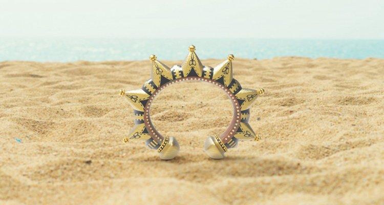 bracciale sulla spiaggia